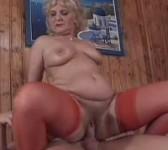 Donna nuda e desiderosa di sesso
