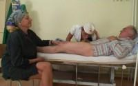 Vecchio porco fottuta dalla infermiera