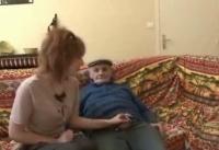 Bocchinara arrapata fottuta dal nonno dotato